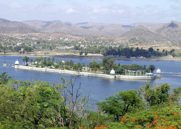 About Udaipur - The Lakeview Palace